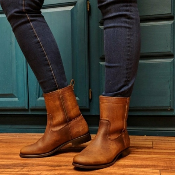 eda8b6b9034 Frye Cara Short Cognac Genuine Leather Boots NWT